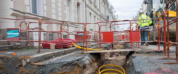 La rue de Quinconce efface ses réseaux à Angers, le Siéml maître d'œuvre
